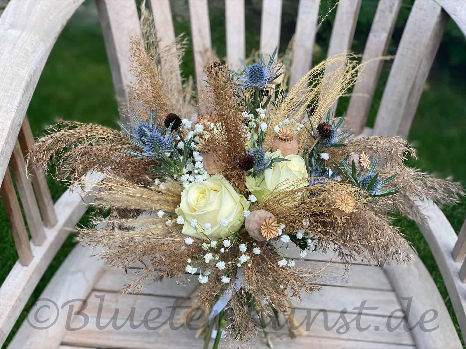 Boho zur Hochzeit - Leichtigkeit durch Gräser brautstrauß vintage