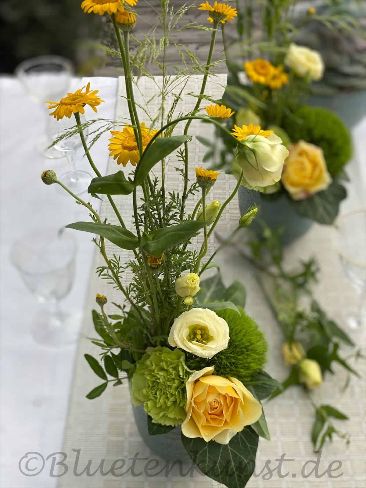 wunderschöne Boho Tischdekoration Gräser und Leichtigkeit auf den Tisch gebracht