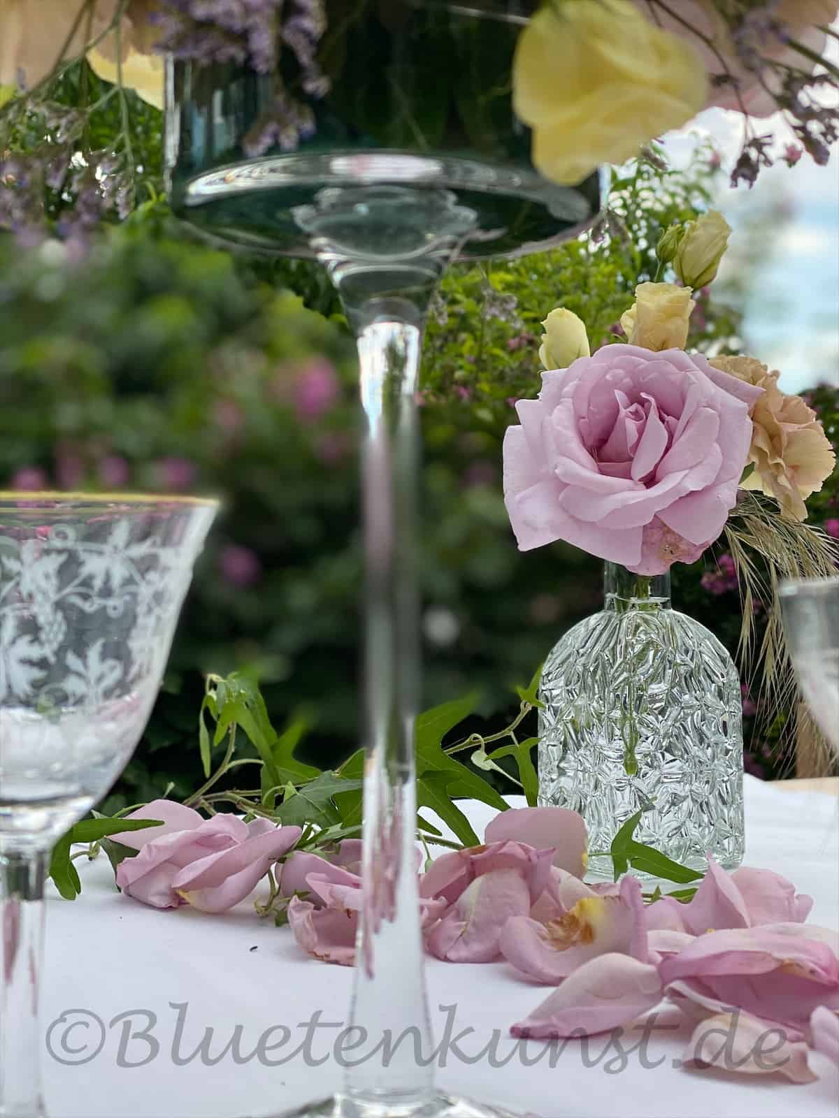 edle Glasgefäße für Tischdekoration Hochzeit