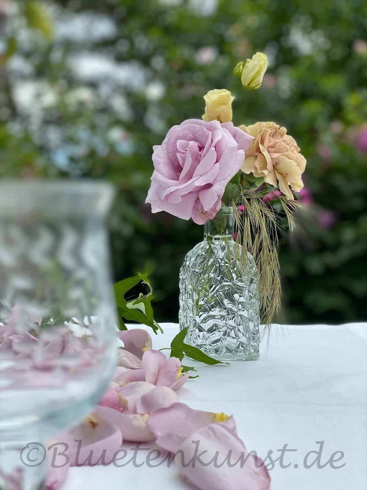 wunderschöne Glasvase für Tischdekoration