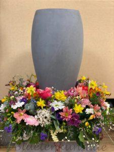 moderne TrauerFloristik Urne Schmuck Kranz Gestecke Stilvolle Blumen
