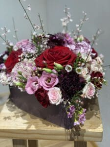 Blumenherz mit Rosen perfekt für Valentinstag und Muttertag