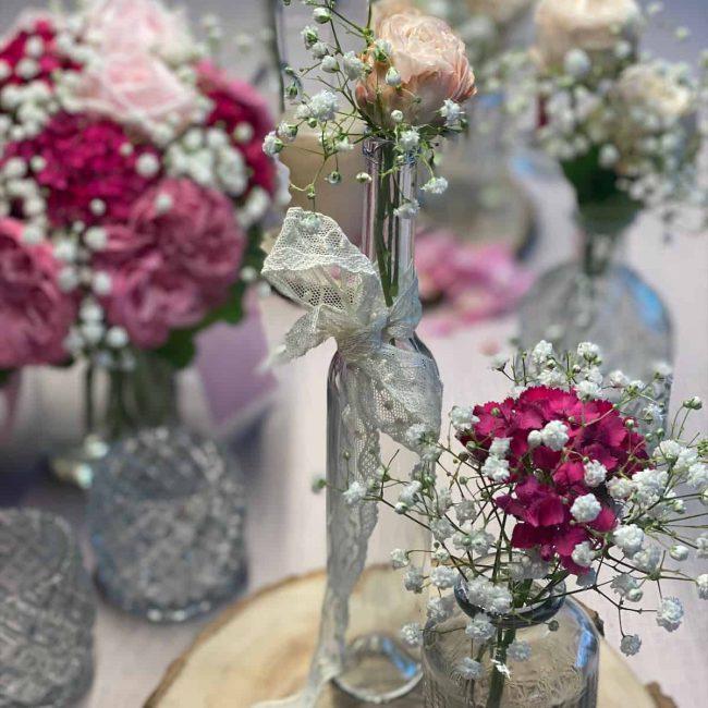 Spitze auf dem Tisch - Brautdekoration