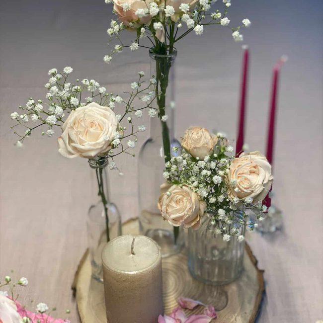 rosa Polyantha-Rose für die Tischdekoration