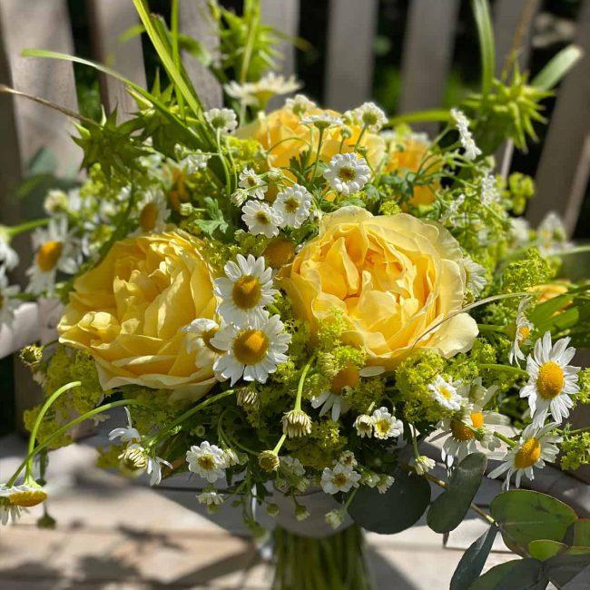 Brautstrauß mit Wiesenblumen aus Ingolstadt für Standesamt und freie trauung